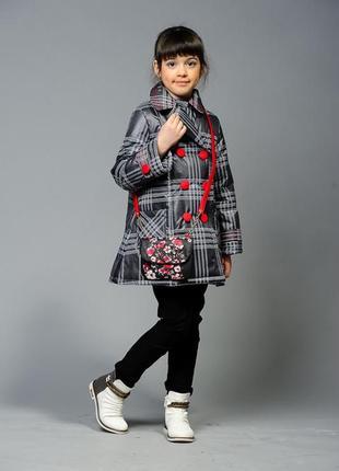 Модное осеннее,демисезонное пальто в клетку на девочку.рост 11...