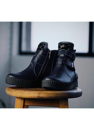 Зимние женские темно-синие кэужал ботинки на низком ходу с пря...