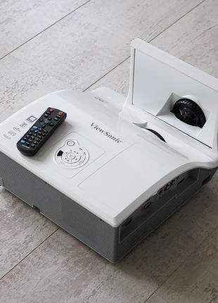 Проектор для презентаций ViewSonic PJD8653ws + экран проекционный