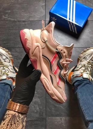 Женские розовые пудровые кроссовки adidas ozweego
