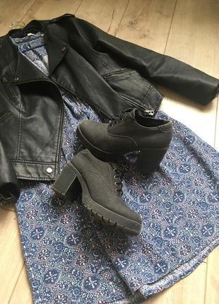 Ботинки на толстом каблуке b&co