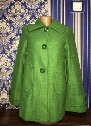 Оригинальное демисезонное пальто