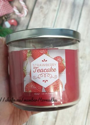 Ароматическая трехфитильная свеча goose creek - strawberry tea...