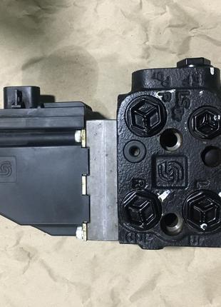 Электро-гидравлическое рулевое управление Sauer Danfoss EHA12