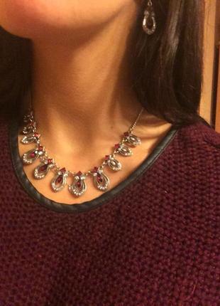 Нарядное ожерелье и серьги