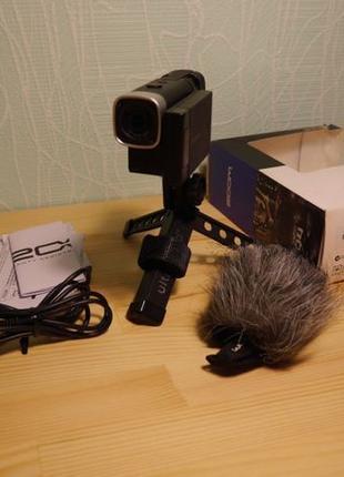 Цифровая видеокамера диктофон Zoom Q4 стереозвук мини-студия
