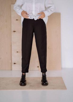 Плотные качественные брюки h&m с сатиновым финишем