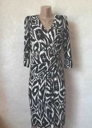 Новое вискозное платье-миди в чёрно-белый яркий орнамент, рука...