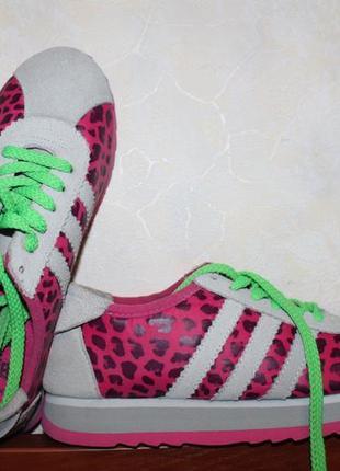 Яркие кроссовки размер 37