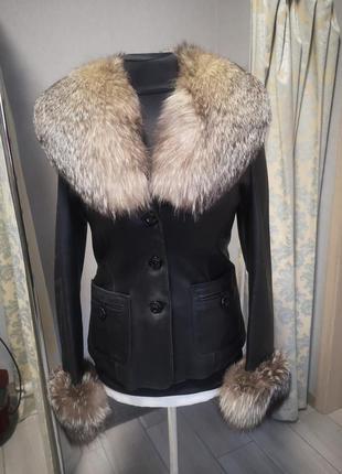 Кожаная куртка пиджак с мехом чернобурки