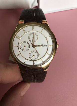 Часы наручные кварцевые фирменные дорогой бренд skagen