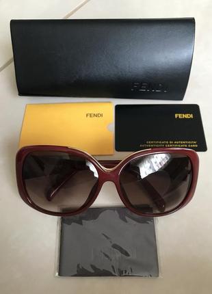 Очки солнцезащитные фирменные дорогой бренд оригинал fendi