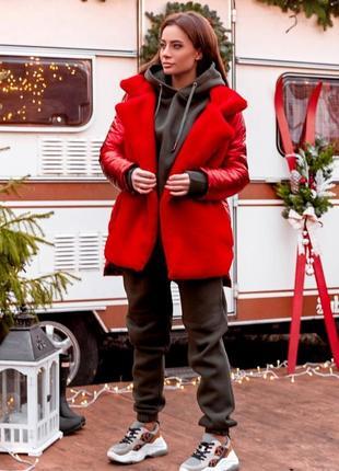 Куртка красного цвета из экомеха