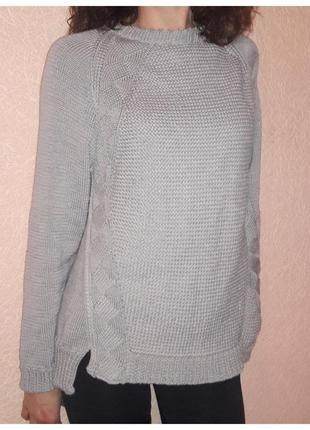 Уютный свитер ручной вязки