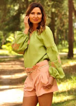 Сучасна жіноча вишиванка з натурального льону
