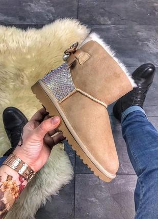 Женские коричневые ботинки сапожки  ugg mini bailey bow beige