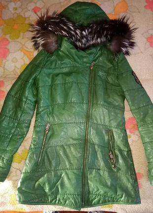 Кожаная зимняя курточка. кожаное пальто зима. мех чернобурка.