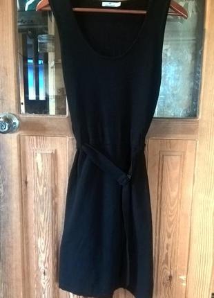 Платье женское, классическое , трикотажное.