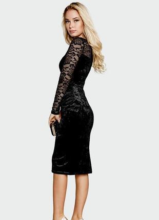 Коктейльное платье из бархата и кружева черное