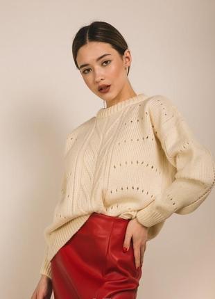 Укороченный плотный теплый свитер