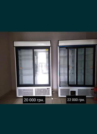 Холодильні вітрини по 15 000 та кондитерка 25000
