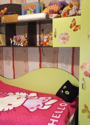 Мебель в детскую комнату кровать шкаф стол полка