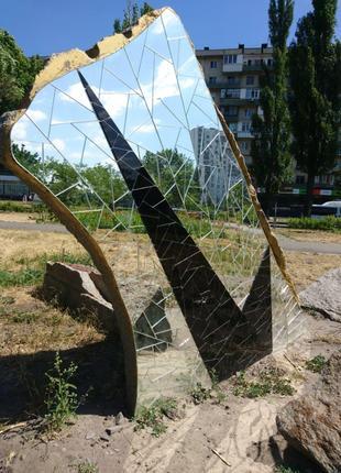 Зеркальный декор, скульптуры и инсталляции.