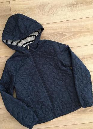 Лёгкая курточка на девочку