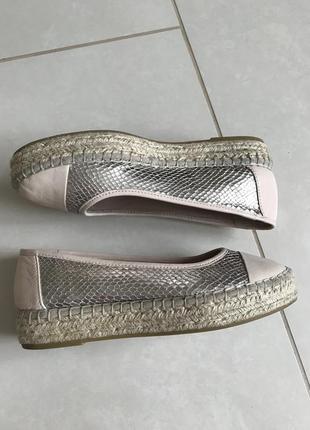 Туфли кожаные стильные модные дорогой бренд carvela  kurt geig...