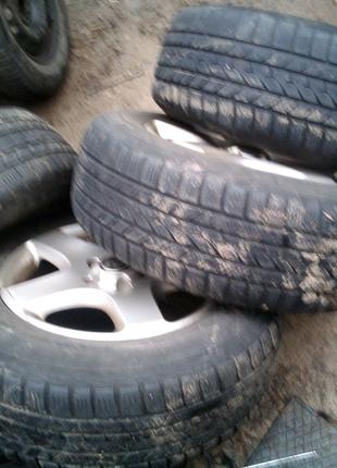 Зимние шины для внедорожников 235 65 17 Hankook i.cr