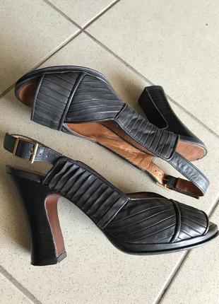 Босоножки кожаные стильные модные дорогой бренд chie mihara ра...
