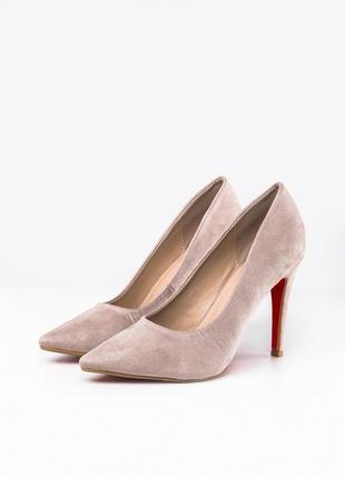 Туфли классические бежевого цвета замшевые
