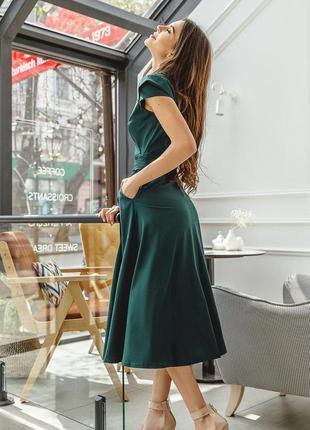 Платье на запах с короткими рукавами