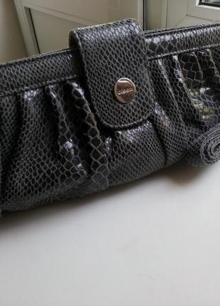 Клатч-сумка с длинной ручкой