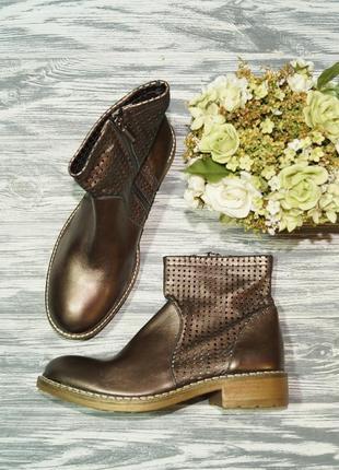 🌿38🌿le stelle. италия. кожа. фирменные стильные  ботинки с зол...