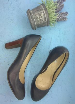 Новые кожаные туфли geox р 36