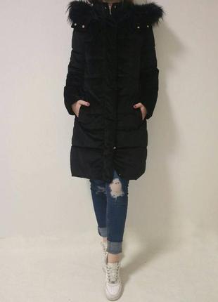 Пальто черного цвета из велюровой ткани на синтепоне франция