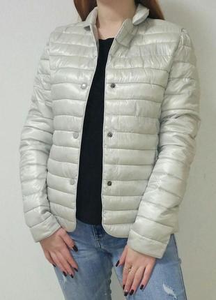 Курточка деми с серебристым отливом италия