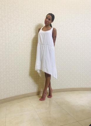 Платье белое отделка мелкими паетками