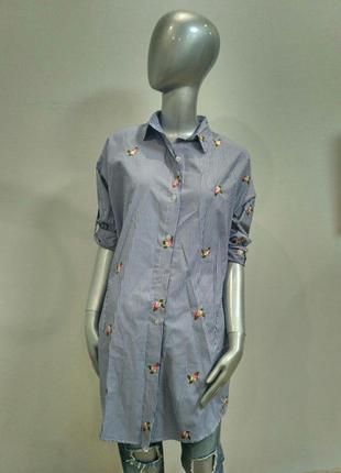 Рубашка-платье в полоску с вышивкой и накладными карманами италия