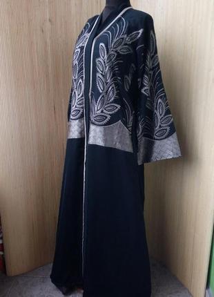 Длинное платье рубашка / халат с вышивкой / абая