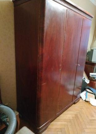 Шкаф для одежды шифоньер сервант с полками и для верхней одежд...