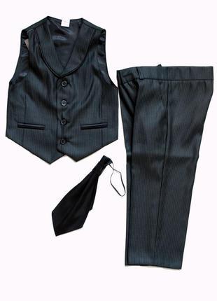 Костюм джентльмена - брюки, жилет, галстук для мальчика 98р.
