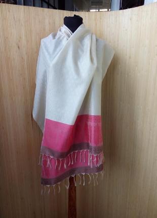 Шелковый шарф палантин бежево красный