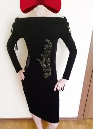 Вечернее черное платье с вырезом на спине. Размер S.
