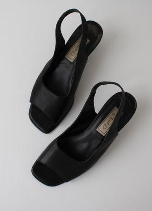 Распродажа!!! кожаные минималистичные босоножки от janet d