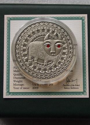 Монета серебро Телец с кристаллами