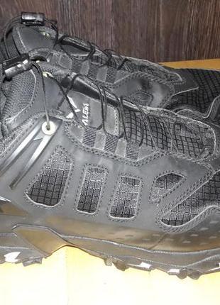 Salewa - трекінгові кросівки