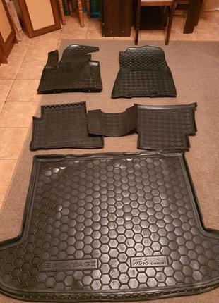 Продам комплект ковриков на весь салон KIA SPORTAGE 4
