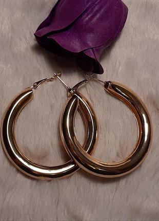 Серьги кольца крупные, массивные, цвет золото